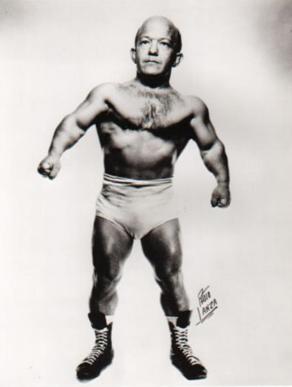 Irish midget wrestler favourite